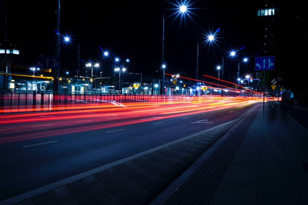 Improving business with mobility data